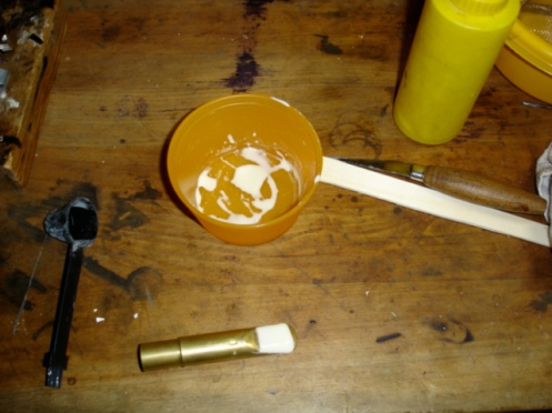 mouthpiece, mixing bucket and stirring stick.