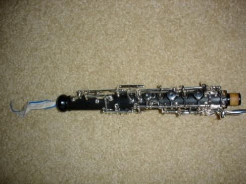Triebert Oboe with stuck swab
